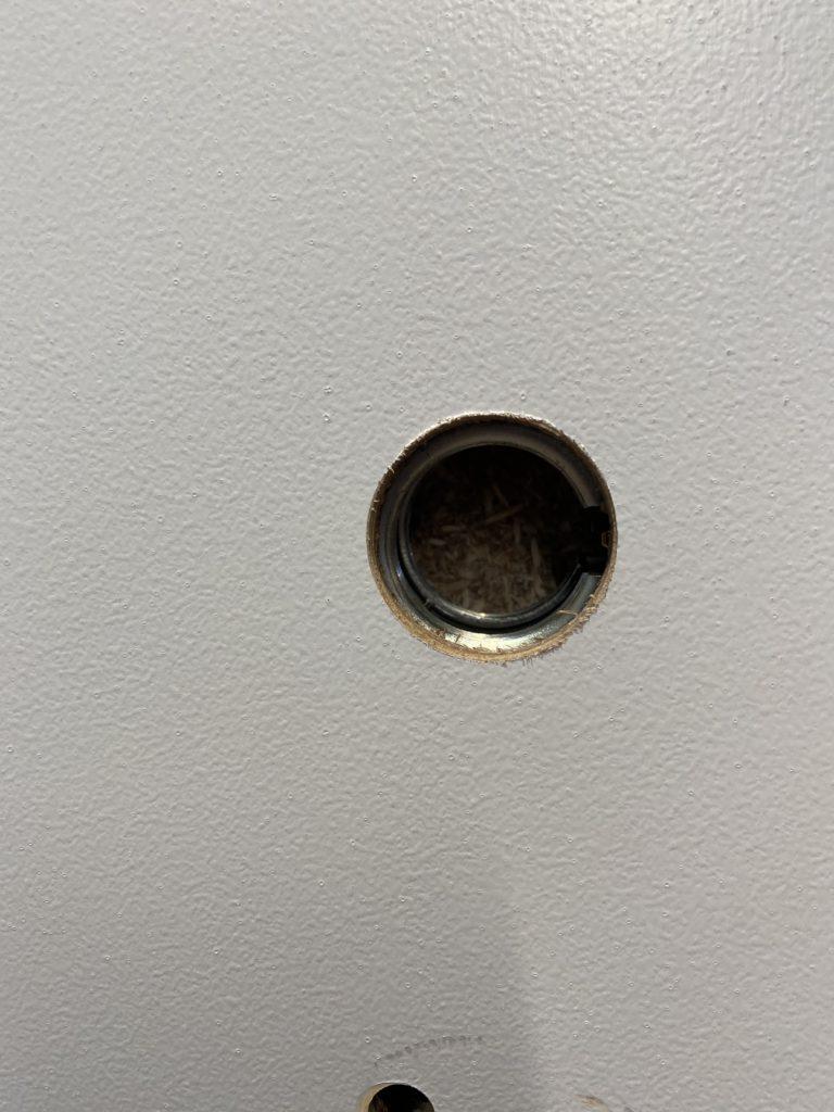 L9080 Cylinder Hole