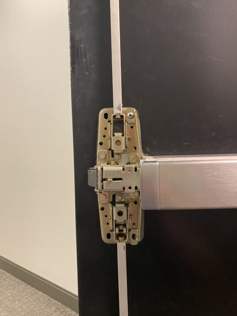 Von Duprin 9857 Case Unit Mounting Screw Installed